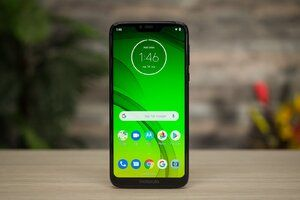 Best Buy has the Moto G7 Power on sale for less than 20 bucks overall