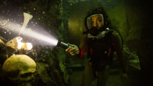 47 METERS DOWN: UNCAGED Is THE DESCENT Meets DEEP BLUE SEA - One Minute Movie Review