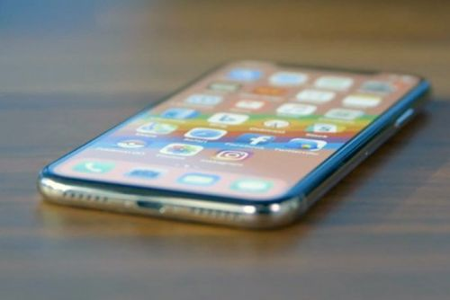 Why Apple's rumored 6.1-inch iPhone will be the model everyone wants, even with an LCD screen