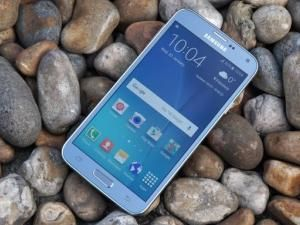 Samsung Galaxy S5 Neo Review: Is A Re-Jigged Samsung Galaxy S5 Still Viable In 2018?