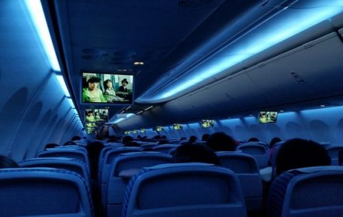 Netflix will help improve in-flight WiFi so you can stream its shows on planes