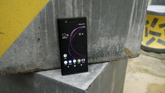 Sony Xperia XZ2 Compact leak shows off curvy new design