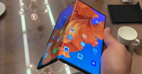 I wanted to fold Huawei's foldable phone but they wouldn't let me