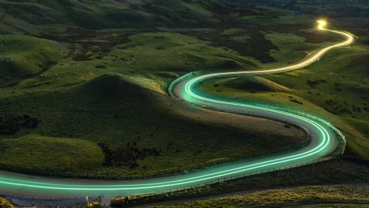 EE says it's nearly connected all the UK's roads to 4G