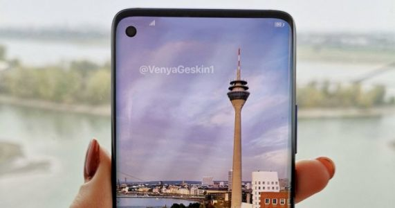 Samsung's Galaxy S10 will reportedly launch on February 20 and cost up to $1,765