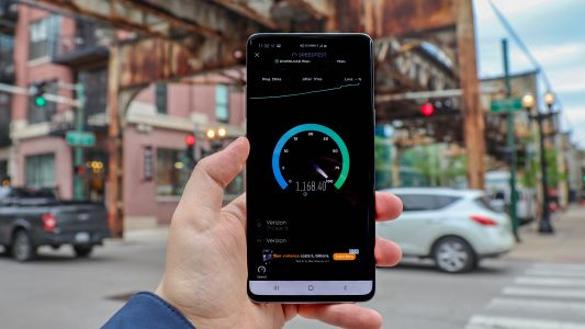 Verizon's 5G speed peaks at 1.4Gbps, but only if you do 'the 5G shuffle'