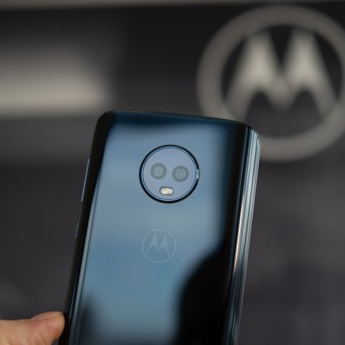 Get your hands on the Moto G6 smartphone for less than $200