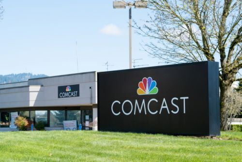 Comcast makes offer to buy 21st Century Fox, less than 24 hours after AT&T-Time Warner deal is approved