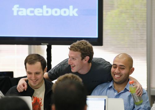 Facebook employees are reportedly so paranoid they're buying burner phones 'to talk s-t about the company with each other'