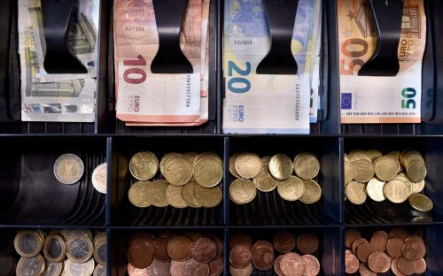 Dutch payments company Adyen valued at€12bn after bumper float