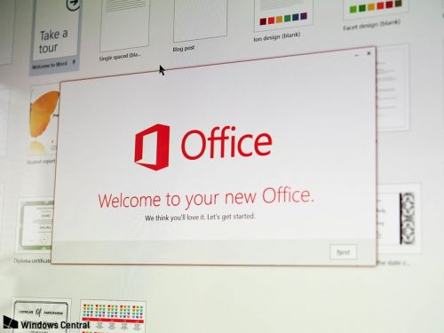 Microsoft 'Ideas' for Office helps you out when creating documents