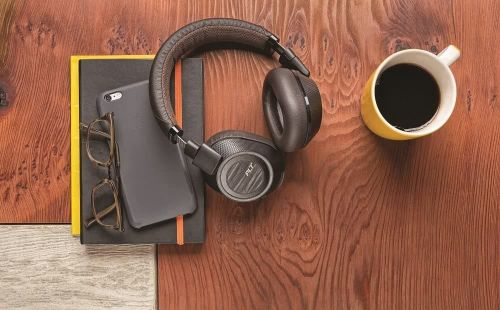 Grab Plantronics Wireless Headphones At Up To 62% For Cyber Monday