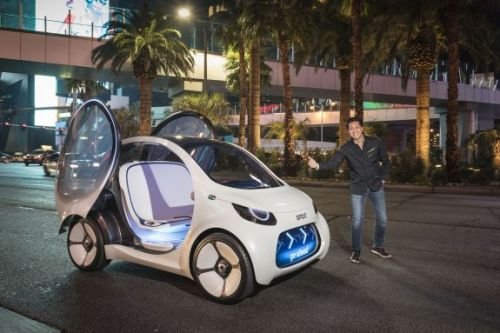 Smart Vision EQ fortwo first ride & Interview with Dr. Annette Winkler on quality of life