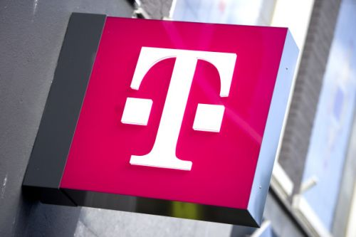 Upgrade your phone and get unlimited data in one of T-Mobile's best deals of 2018