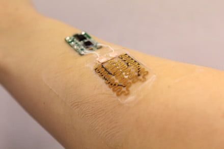 Prototype 'smart bandage' can detect infections and auto-apply antibiotics