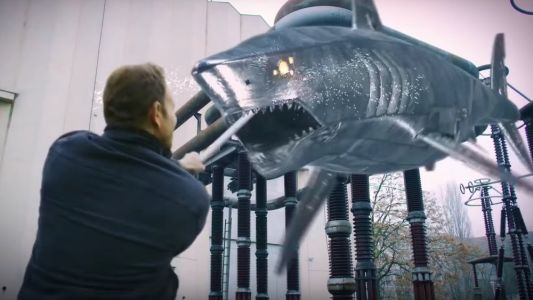 Dragon and Robot Sharks Are Revealed in Full Trailer For THE LAST SHARKNADO: IT'S ABOUT TIME