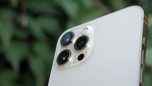 IPhone periscope cameras could be years away