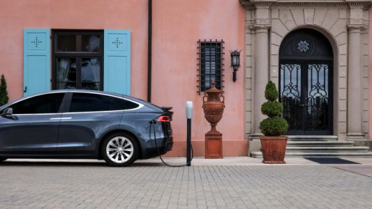Tesla launches a web-based version of its in-car trip planning tool