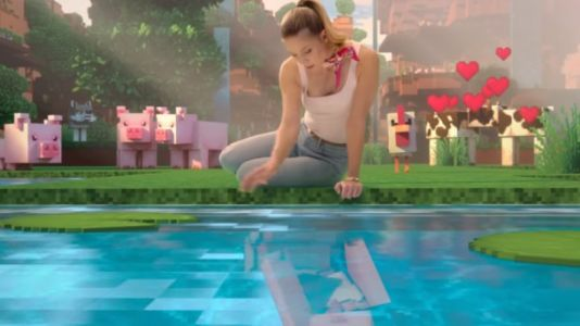 Supergirl Star Melissa Benoist Performs A Minecraft Musical In This Video