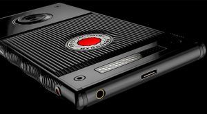 AT&T, Verizon Will Sell the Red Hydrogen One Holographic Phone