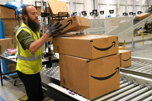 The human costs of Black Friday, explained by a former Amazon warehouse manager