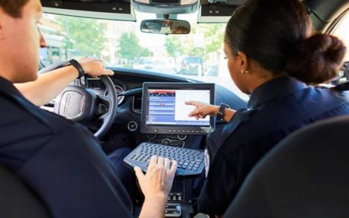 Samsung DeX is going into Chicago police cars