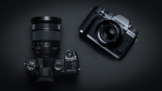 Fujifilm X-H1 vs X-T2: 8 key differences you need to know