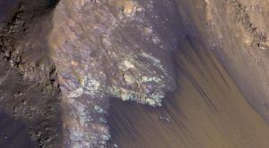 Flowing Water Observed on Mars Might Just Be More Sand