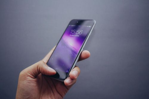 How to set up a new iPhone by restoring it from an older device