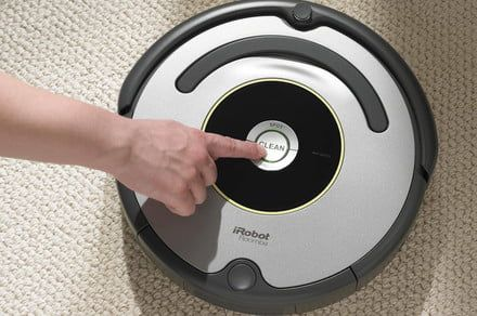 Walmart discounts the Roomba 618 just in time for last-minute holiday shoppers