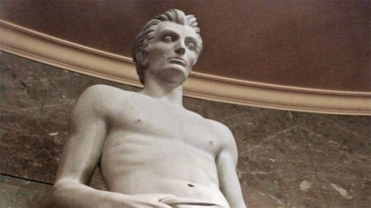 This Shirtless Abraham Lincoln Statue Is Going Viral on Twitter