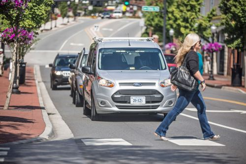 Ford wants self-driving cars to communicate with flashing lights