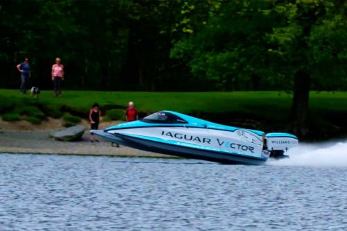 Jaguar breaks the world's electric boat speed record