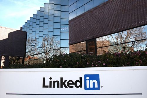 LinkedIn enters live video broadcasting market with LinkedIn Live