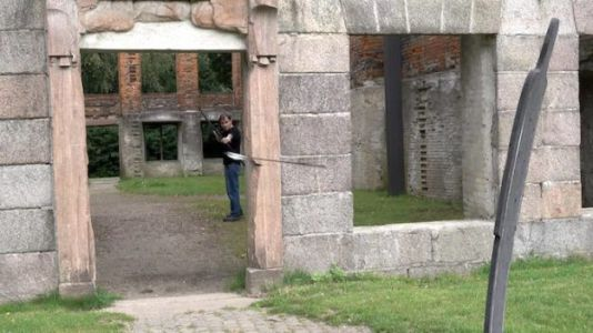 What Kind of Sorcery is This? Expert Archer Shoots 'Turning Arrows'