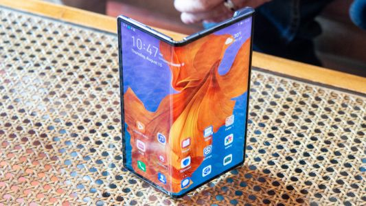 Huawei sales accelerate as it shifts 200m smartphones in 2019