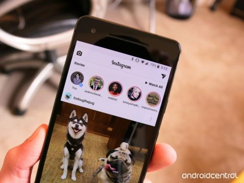 Instagram now shows you when friends are online