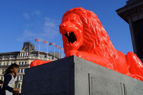 There's a lion in London's Trafalgar Square that eats words and roars AI-generated poetry