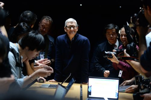 Tim Cook apologizes, says iPhone users can disable battery slowdowns in next iOS update