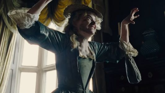Emma Stone and Rachel Weisz Are Rivals in This Fun and Crazy Trailer For THE FAVOURITE