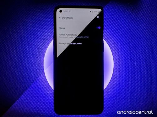 Save your eyes and your battery on dark mode on your OnePlus phone