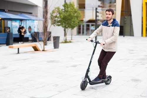 Archos debuts the first Android-powered scooter
