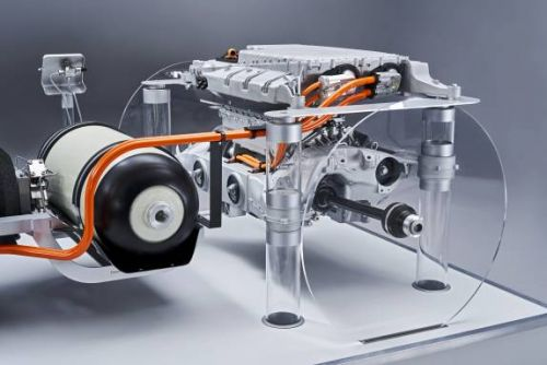 BMW is committed to hydrogen fuel cells with i Hydrogen NEXT
