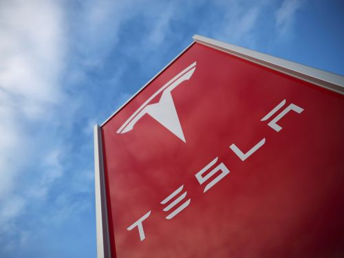 Ex-Tesla employees who were laid off this week are surprisingly praising the automaker in LinkedIn posts