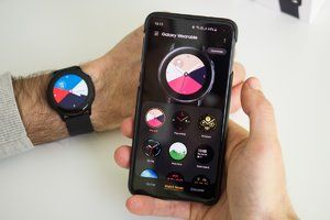 One UI update brings a slew of new features to older Samsung smartwatches
