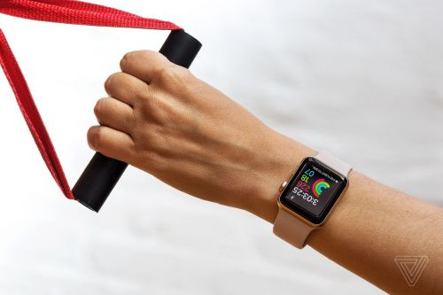 Apple Watch Series 3 is back down to $199, its lowest price yet