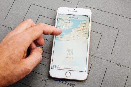 Apple rumored to unveil redesigned Find My Friends app with Tile-like functionality