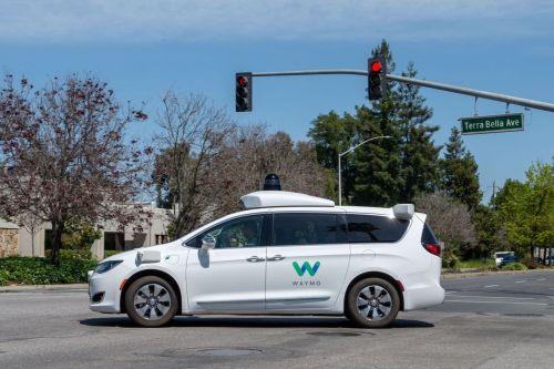 Waymosimulated real-world crashes to proveits self-drivingcars can prevent deaths