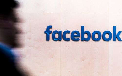 Facebook defends decision to keep notorious conspiracy theory page online