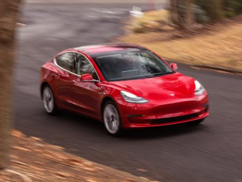 Elon Musk may never deliver a $35,000 Model 3-and that would actually be great news for Tesla